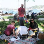picnic-of-popular-couple-10