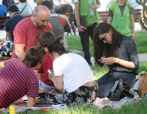 picnic-of-popular-couple-14