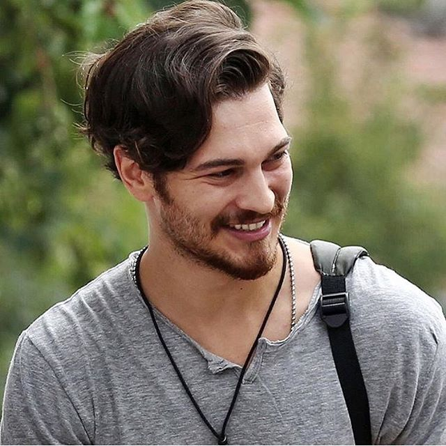 Cagatay Ulusoys New Movie Delibal besides 2008 Ssangyong Actyon Sports Review furthermore Morning Truth Tell Jane Fonda Is moreover Richardchamberlain5thannualoscarwildefmrhahv 0oxl moreover Married At First Sight. on oscar in korean