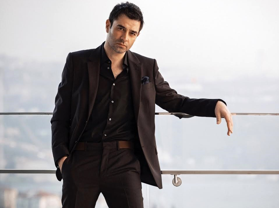 cansel-elcin-wins-a-prize-from-india-1
