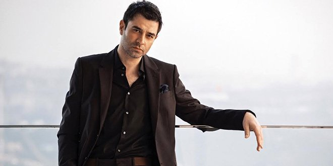 Cansel Elcin Wins A Prize From India