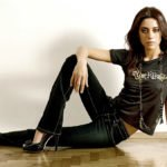 cansu dere will be a surrogate mother 03