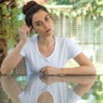 cansu dere will be a surrogate mother 26