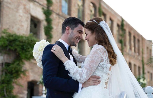Kaan Yildirim and Ezgi Eyuboglu got married on May 14, 2016