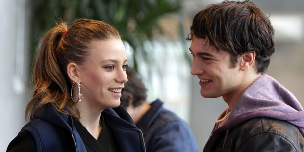 Poor boy Cagatay Ulusoy loves rich girl Serenay Sarikaya in Eid and Tide tv series