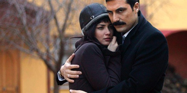 Poor Bulent Inal becomes rich in Under The Linden Trees (Ihlamurlar Altinda) Tv series