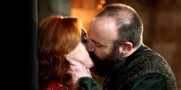 Halit Ergenc and Meryem Uzerli kissing in Magnificent Century tv series