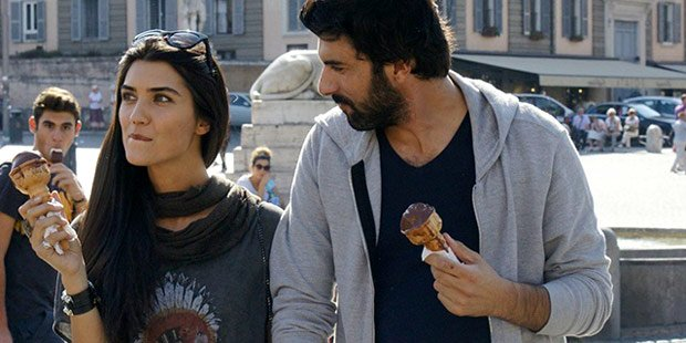 Poor boy Engin Akyurek loves Rich girl Tuba Buyukustun in Dirty Money & Love Tv Series