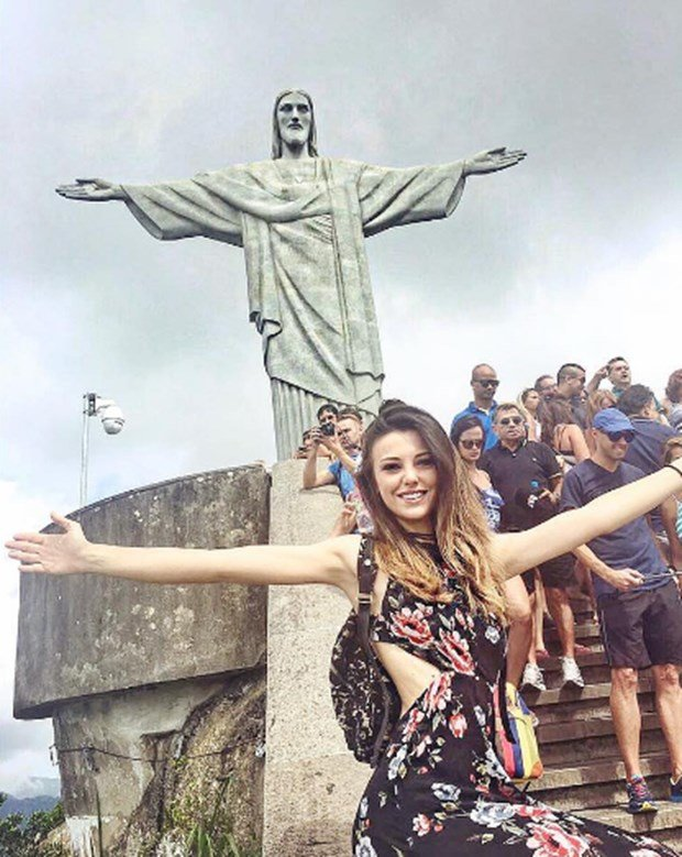 tuvana turkay in brazil-3