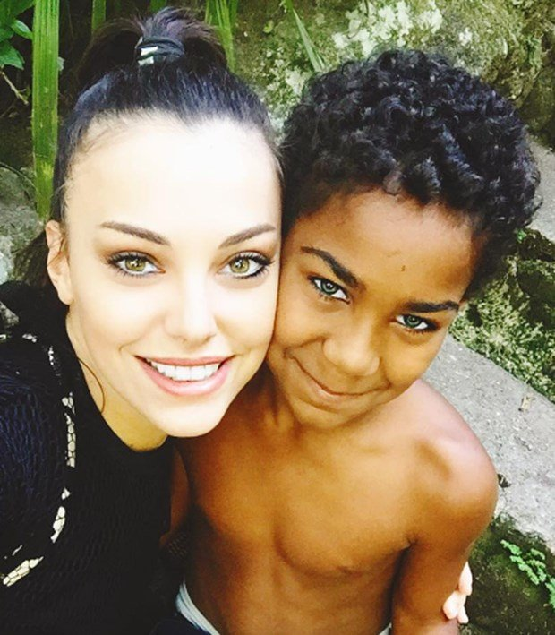 tuvana turkay with black boy