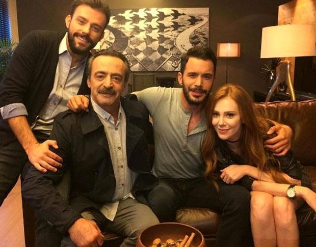 Elcin Sangu, Baris Arduc, Levent Ulgen, Salih Bademci in Rental Love (Kiralik Ask) Tv Series studio