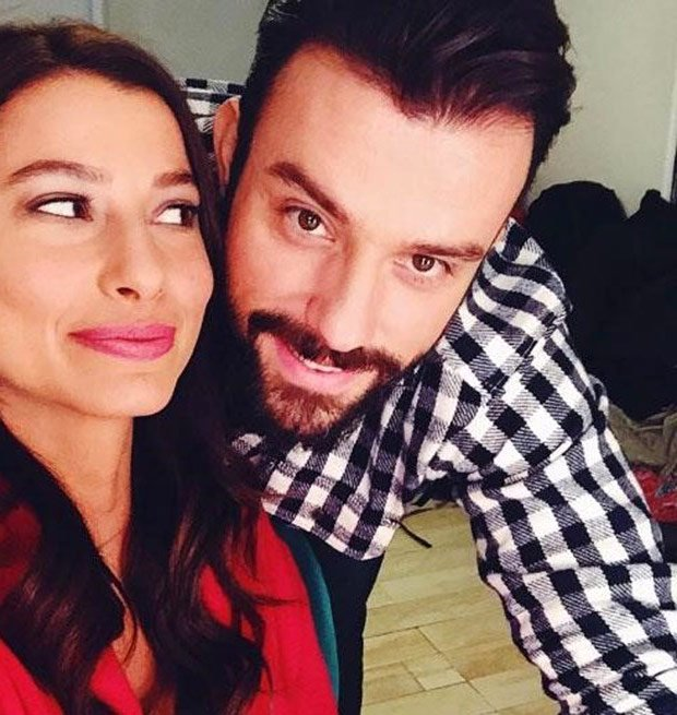 Salih Bademci and Mujde Uzman in Kiralik Ask tv series studio