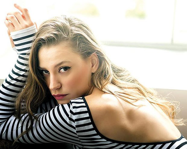 Serenay Sarikaya Fi Tv Series