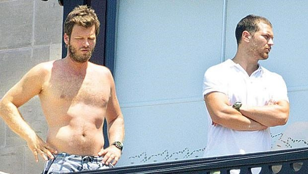 kivanc tatlitug and cagatay ulusoy in balcony