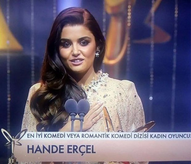 Best Actress of Comedy & Romantic Comedy Drama Award: Hande Ercel