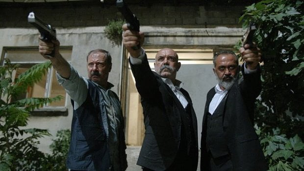 İdris Koçovalı (Ercan Kesal), Paşa (Çetin Sarıkartal), and Emmi (Kadir Çermik) were assaulted by people with guns