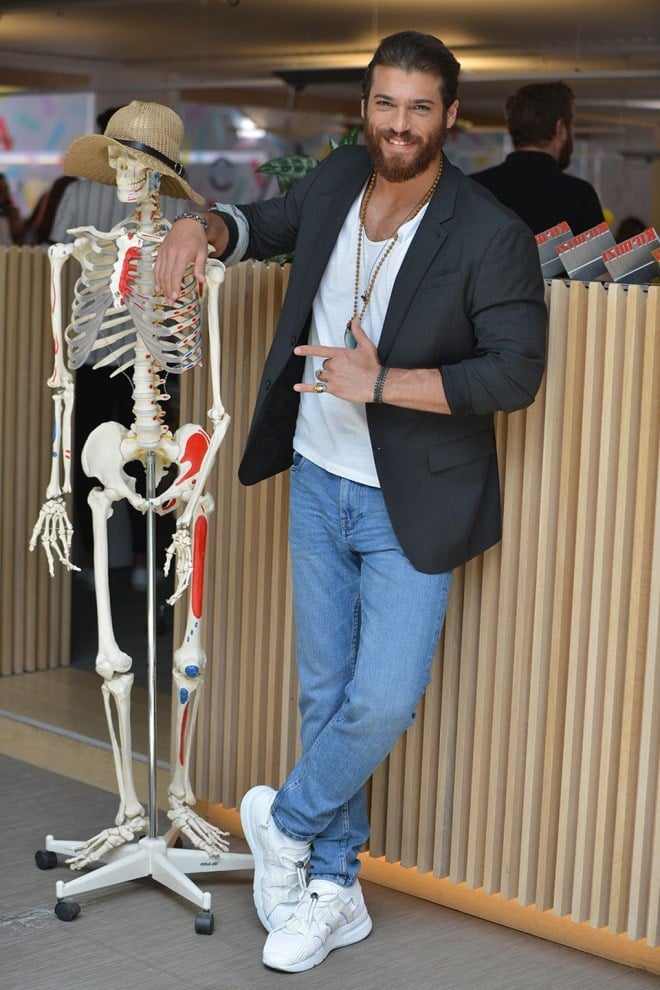 Can Yaman with funny skeleton