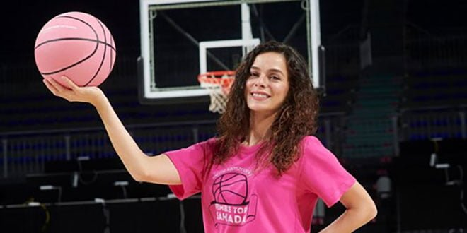 Özge Özpirinçci will Throw the Pink Ball for Breast Cancer Awareness - Featured