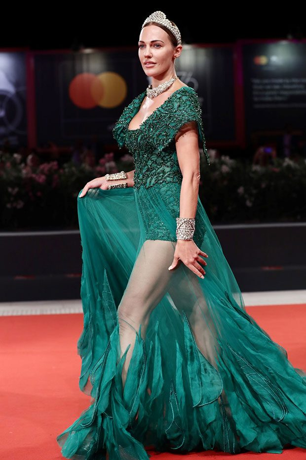 Meryem Uzerli - Green color dress