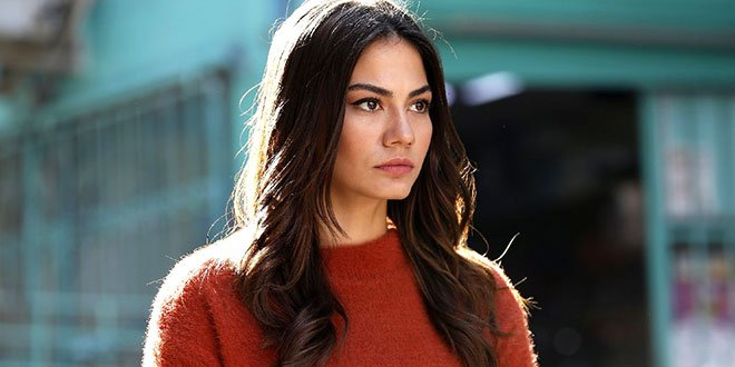 Demet Ozdemir: I Have Become an Actress So That My Parents Would be Proud of Me