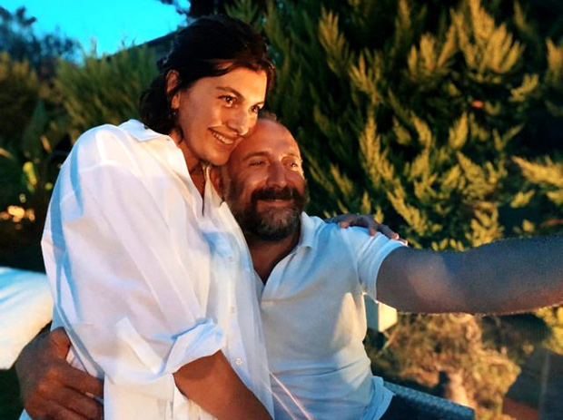Halit Ergenç and Bergüzar Korel Selfy